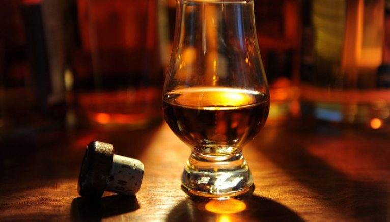 Whisky vs. Whiskey. Care e diferența?