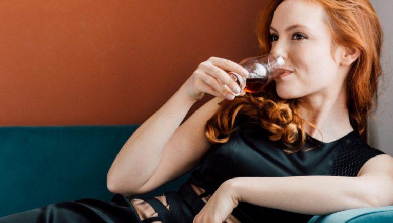 Sunt femeile mai bune decât bărbații la degustare?