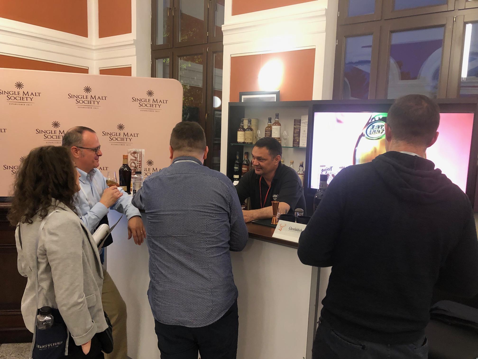 Iubitorii single malt-ului și-au dat întâlnire la Cluj, la cea de-a șasea ediție a Dramsylvania Whisky Festival.