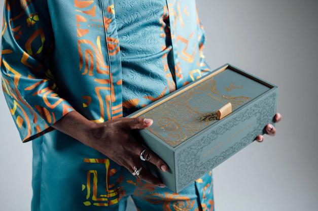 Glenfiddich face pași în lumea modei digitale și crypto, prin colaborarea cu designerul digital Stephanie Fung